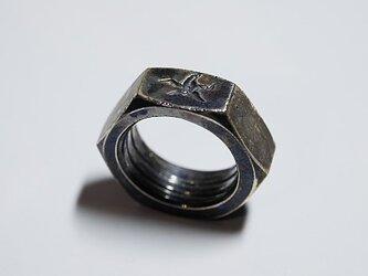 ナットのリングの画像