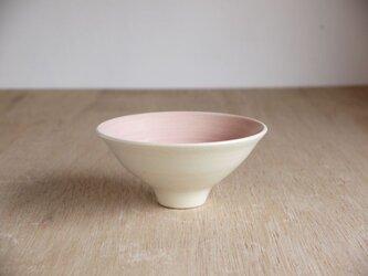 白土桃化粧流線茶碗の画像