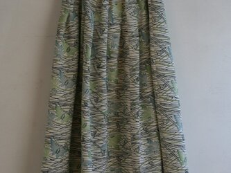 白地 縮緬 蝶々のゴムスカート Fサイズの画像