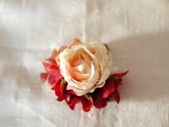 ローズのコサージュ(アート・cream-pink)の画像