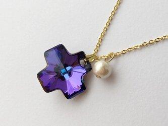 amethyst color cross   necklaceの画像