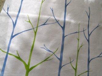 青と緑の森・てぬぐいの画像