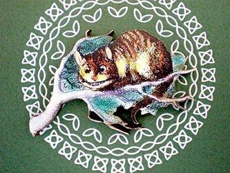 チェシャ猫ブローチの画像