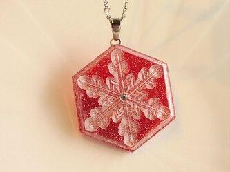雪の結晶ネックレス①(レッド)の画像