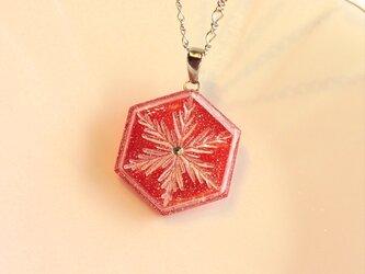 雪の結晶ネックレス②(レッド)の画像