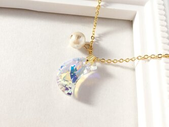 crystal moon necklaceの画像
