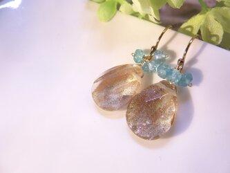 Sold:ブルーアパタイト×ゴールドサンストーンクォーツ(ガラス)ピアスの画像