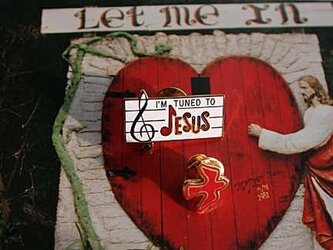 『 I'M TUNED TO JESUS 』タイタックピン・セット(送料無料)の画像