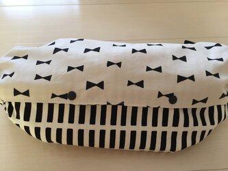 エルゴ・抱っこ紐カバー(白黒リボンバンブー×ストライプ)の画像