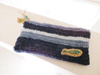 手編みの小物入れ(魚)の画像