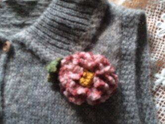 手編みブローチ♪絞り椿の画像
