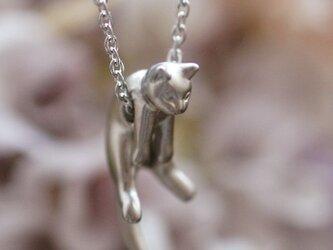 グリとラテュの猫ペンダント グリ(マットシルバー)の画像