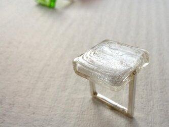 ■ガラスの□リング〔白〕の画像
