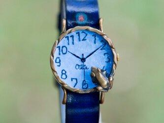 池をのぞく蛙腕時計M パステルブルーの画像