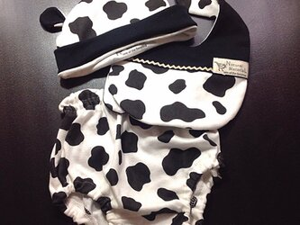 ベビースタイ+ブルマー+帽子のお得なセット 牛さんの画像