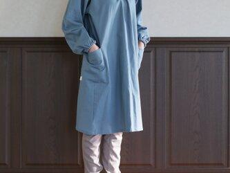 リネン 空色の割烹着の画像