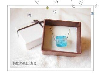 ゆらぎ玉のネックレス ブルーの画像