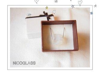 ゆらぎ玉のネックレス オパールの画像