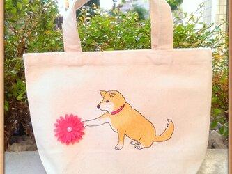手描きのトート『お花と柴犬』の画像