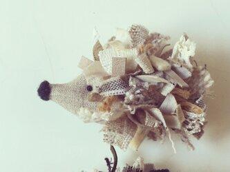 ー Le Hérisson ー ハリネズミのブローチ (ホワイト)の画像