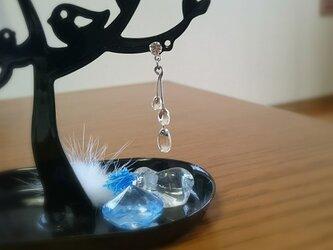クリアストーンと透明な雫のピアス  ホムポムの画像