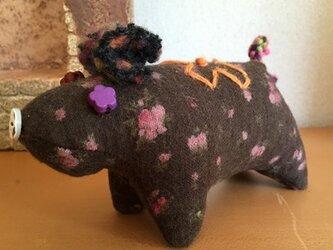 豚のピンクッション ブラックの画像