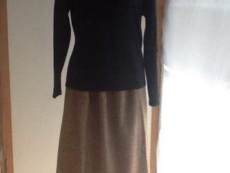 茶色のロングスカートの画像