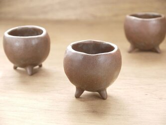 赤土三脚小鉢の画像