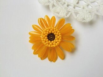 ガーベラのブローチ(オレンジ)の画像