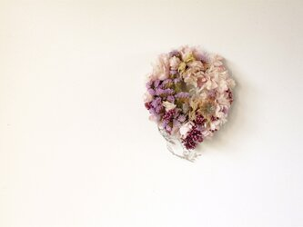 春待ち花のリースの画像