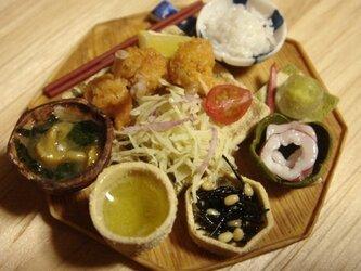 ★鶏肉チューリップ定食(木製風・8角形)の画像