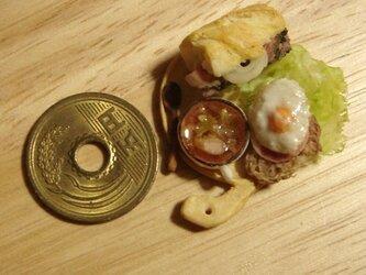 ★バゲットサンド(ローストビーフ)&カンパーニュ目玉焼きの画像