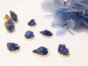 【pebble series】DropS•autumn sapphire ピアス/イヤリングの画像