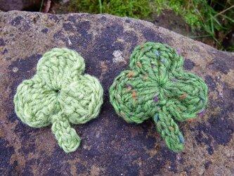シャムロックの羊毛ブローチ(2個セット)の画像