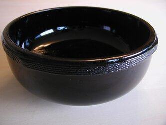 玉紐締め蝋色花塗り鉢の画像