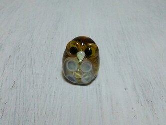 ガラス細工のフクロウの画像