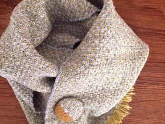 手織りブローチ付きピュアマフラーの画像