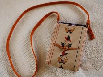 蝶柄×縦縞きもの地のプチポシェットの画像