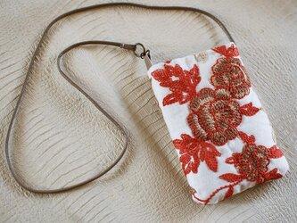 花刺繍生地×革紐のプチポシェットの画像