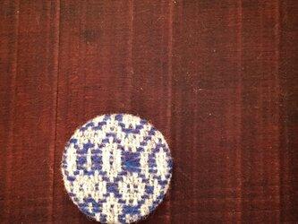 手織りウールのブローチ(オーバーショット)の画像