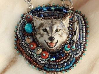 Wolf ビーズ刺繍チャームの画像