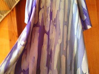 即納ろうけつ染め絹のワンピース▫️群青色とロワイヤルブルーの重なりの画像