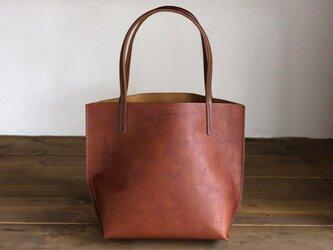 日本製牛革手縫いの小型トートバッグ  /  ブラウン /  ダークブラウンの画像