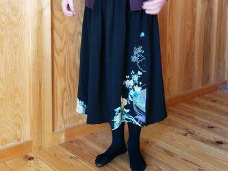古布ちりめん黒留袖リメイクスカートの画像