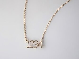 数字( ナンバー ) 4ケタサイドネックレスの画像