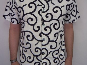 唐草模様半袖シャツ(生成り×濃紺)の画像
