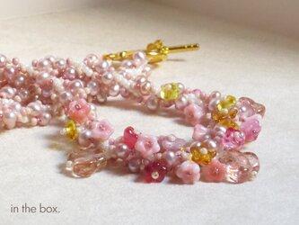 淡水パールのピンクの小花ネックレスの画像