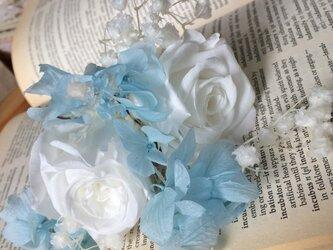 大輪バラとサムシングブルー髪飾り★プリザーブドフラワー★の画像