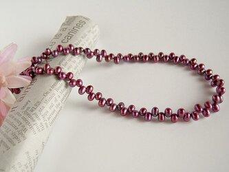 パープルローズのネックレスの画像