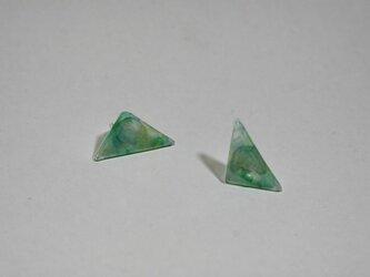 三角のピアスの画像